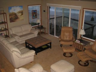 Lincoln City townhome photo - Comfortable Family room with panoramic view