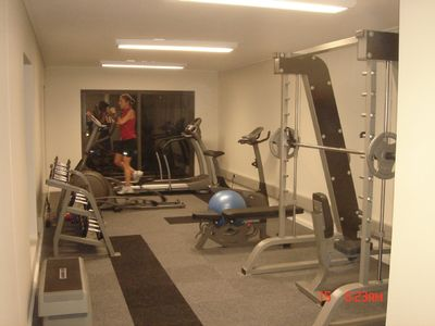 FREE FULLY EQUIPPED GYMNASIUM FOR GUESTS USE