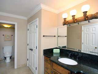 Sanibel Island condo photo - Private master bathroom