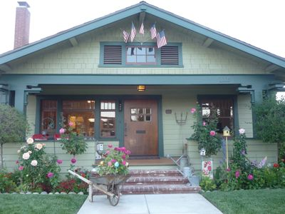 Award Winning, Historic Craftsman Home 1 1/2 miles from Disneyland, Free WFI