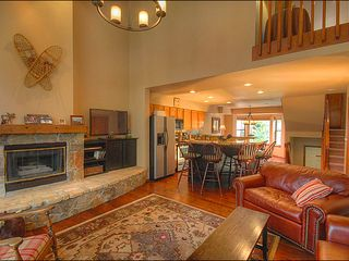 Breckenridge townhome photo - Living Area with Fireplace & Flat Screen TV