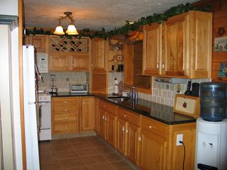 Emerald Lakes house photo - Kitchen with granite countertops