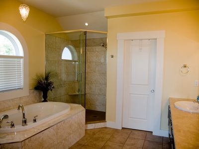Penticton house rental - Master Ensuite