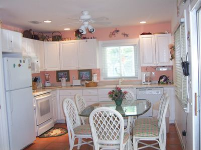 Captiva Cutie kitchen