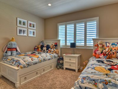 Bring the Kids! Special Room with Twin Beds, TV, Books and Disney Characters!