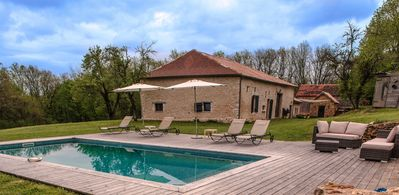 Farmhouse well renovated with heated pool, Jacuzzi, sauna, home cinema