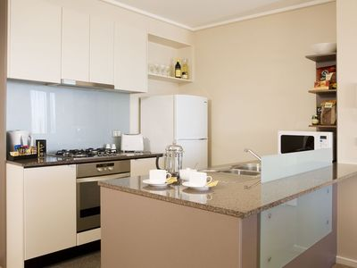 Southbank apartment rental - Fully fitted kitchen