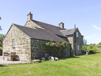WILLOW HOUSE COTTAGE, pet friendly in Winkhill, Ref 4095