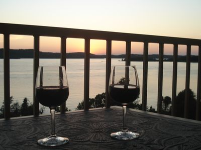 Savor the moment ! Photo courtesy of S.R., one of our wonderful guests in 2011.