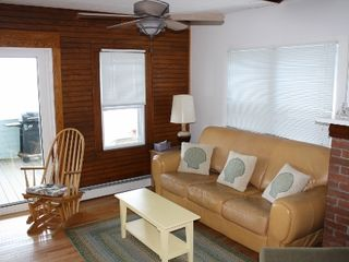 Niantic cottage photo - Living room