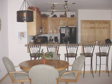 Crystal Bay condo rental - Kitchen and dining