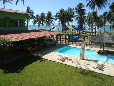 Beach house with pool, 7 suites, waterfront