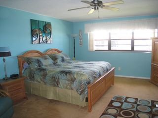 Ormond Beach condo photo - King bed in Master room.
