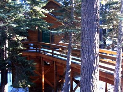 Tucked into the Trees... Beautiful 3-bedroom/ 3.5 bathroom Cabin