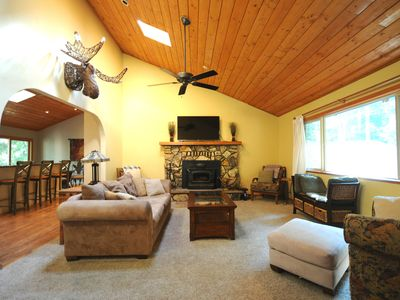 Wicker Moose Manor - An Easily Accessible Spacious Mountain Home!