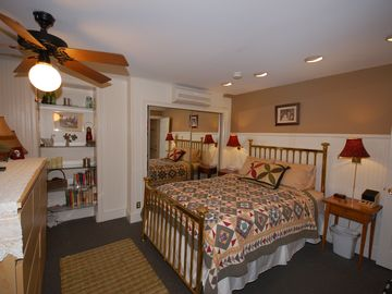 This is an efficiency unit, with separate living and sleeping areas. (Queen bed)