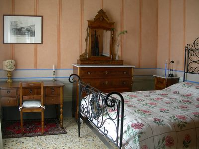 Antique house with Terrace: bedroom