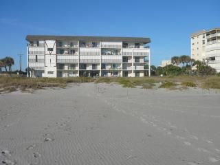 Oceanview Fully Furnished Groundfloor Condo in Cocoa Beach