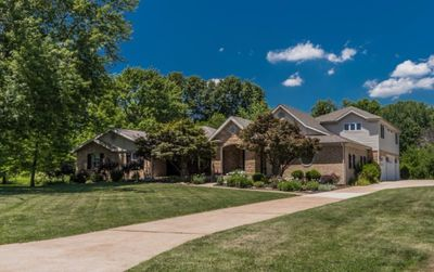 Georgeous Centrally Located St Louis Home In Beautiful Neighborhood