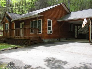 Dillsboro cabin photo - Spring Front of Home Single Car Carport With Parking Area