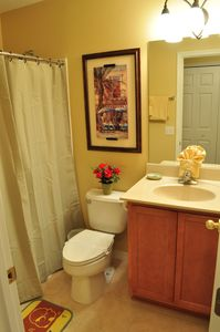 Beautiful Bathroom , Towels Provided
