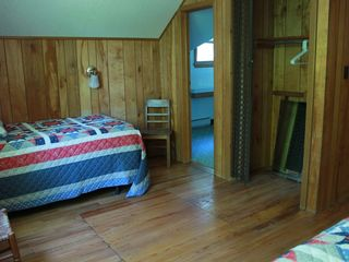 Lake Wallenpaupack lodge photo - Bedroom 1