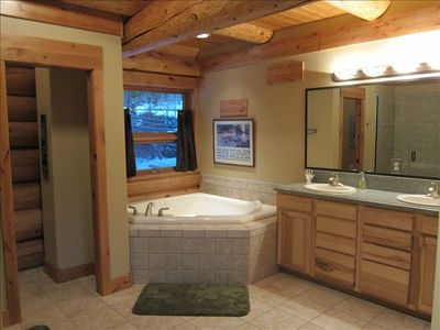 MASTER SUITE DOUBLE SINK, JETTED TUB, GLASS ENCLOSED SHOWER, PRIVATE TOILET ROOM