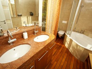 Milna villa photo - Master ensuite bthroom