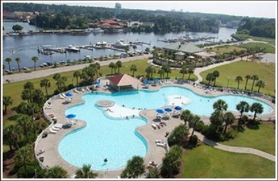 Barefoot North Tower Pool and Marina on the Intracoastal Waterway