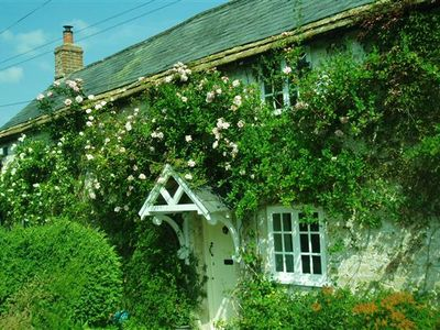 Charming Listed Cottage in rural West Dorset