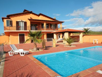 Luxury villa with fenced large pool,children's pool,garden,free wifi,aircon,toys