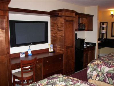 Mahgony Entertainment Center Furniture