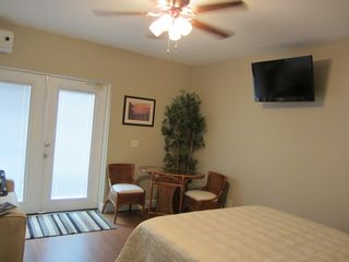 Vero Beach studio photo - Small table and chairs for 2 and a flat screen TV
