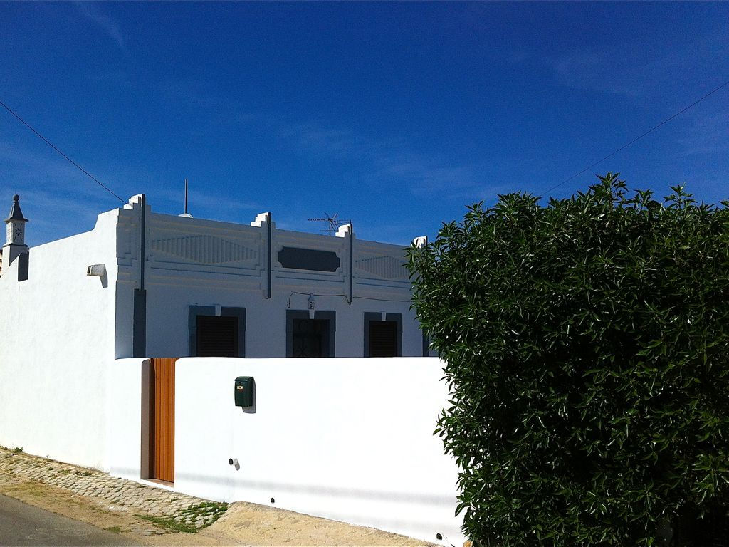 Holiday house, close to the beach, Luz, Faro