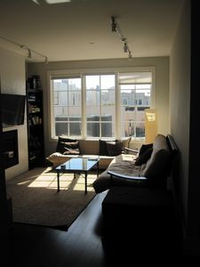 Modern 2 Bdrm Apartment With Bay Views In Charming Russian Hill