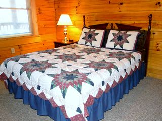 Sevierville cabin photo - Bedroom 2