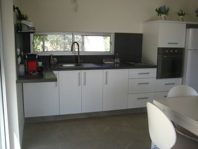 Modern, fully equipped garden floor kitchen