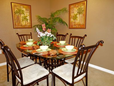 Beautifully decorated dinning room