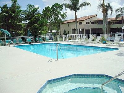 Palm Harbor condo rental - Solar heated pool & Jacuzzi