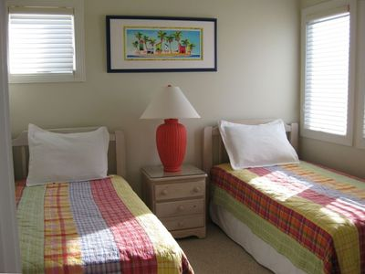 Bright and Colorful Bedroom with 2 Twin Beds