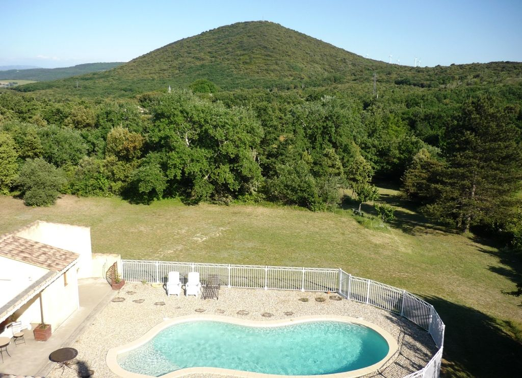 Maison avec piscine privative grand terrain arbor dr me for Camping drome provencale avec piscine