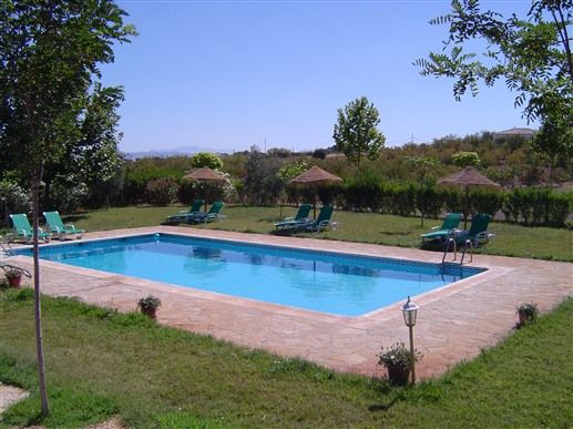 Bed breakfast hotel rural la paloma 3873566 for Alojamiento con piscina