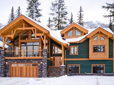 Golden chalet rental - The Adler. Four en-suite bedrooms.