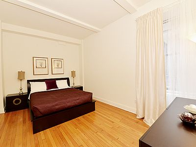 Midtown Manhattan condo rental - Master Bedroom