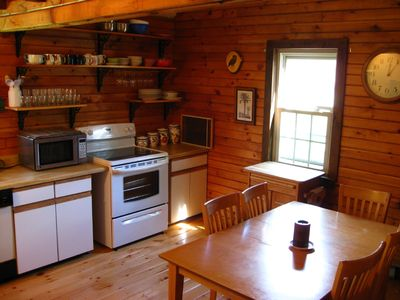 Danby house rental - Vermont Country eat in kitchen
