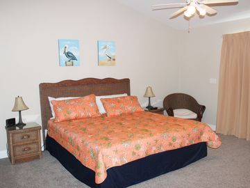 GULFVIEW, 3BR / 3.5 BATH, DOG FRIENDLY, 1.5 minute to beach