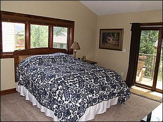 Avon townhome photo - Master Bedroom - Queen Jacuzzi Tub, Private Balcony