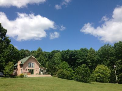 Mtn View Cottage, Hot Tub, Romance or Family Fun on 145 acres Pet Friendly