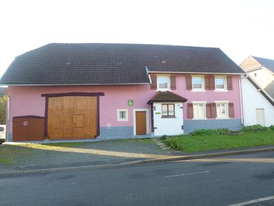 Accommodation near the beach, 100 square meters, with garden