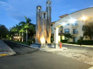 Tamarindo condo photo - The Oaks entrance